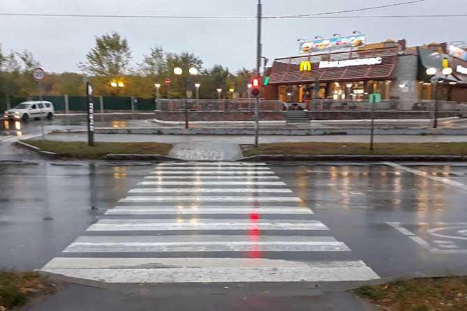 На улице 40 лет Победы на пешеходном переходе в ДТП пострадал 17-летний пешеход