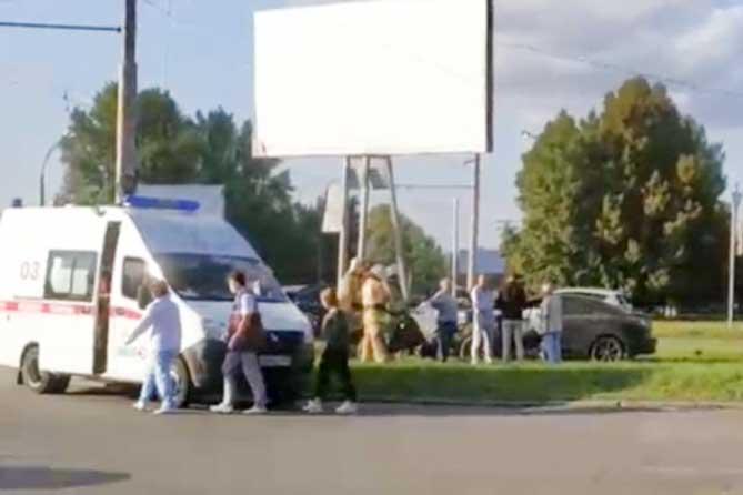 В Тольятти водитель «Мазды» врезался в рекламный щит
