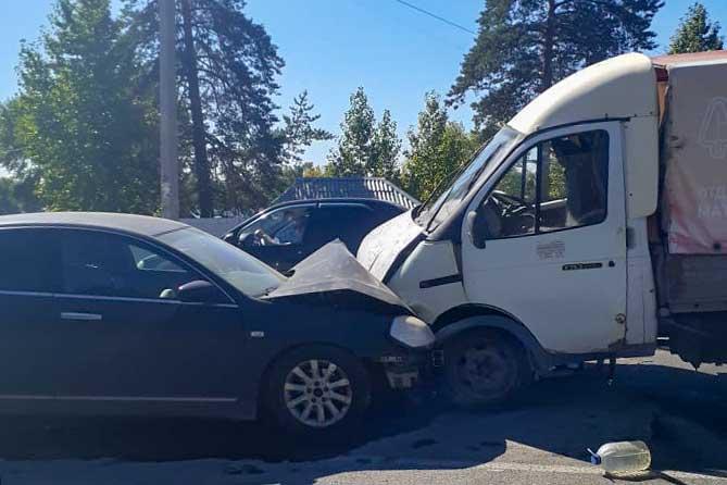 В аварии на Лесопарковом шоссе в Тольятти погиб водитель «Ниссана»