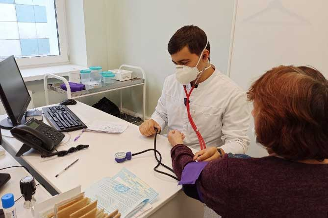 В 2020 году в тольяттинскую поликлинику №3 трудоустроились 23 молодых врача