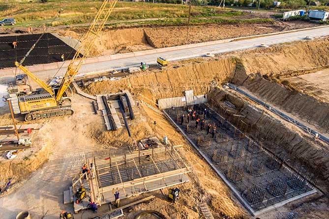 Строители завершают создание вспомогательной инфраструктуры моста через Волгу