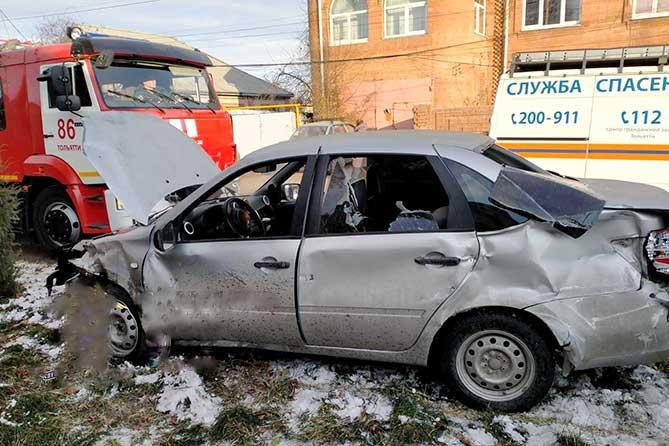 В аварии на пересечении улиц Украинской и Шлютова в Тольятти пострадали 4 человека, двое из которых — дети