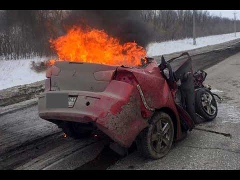 В Самарской области 20 марта в страшной аварии погибли три человека